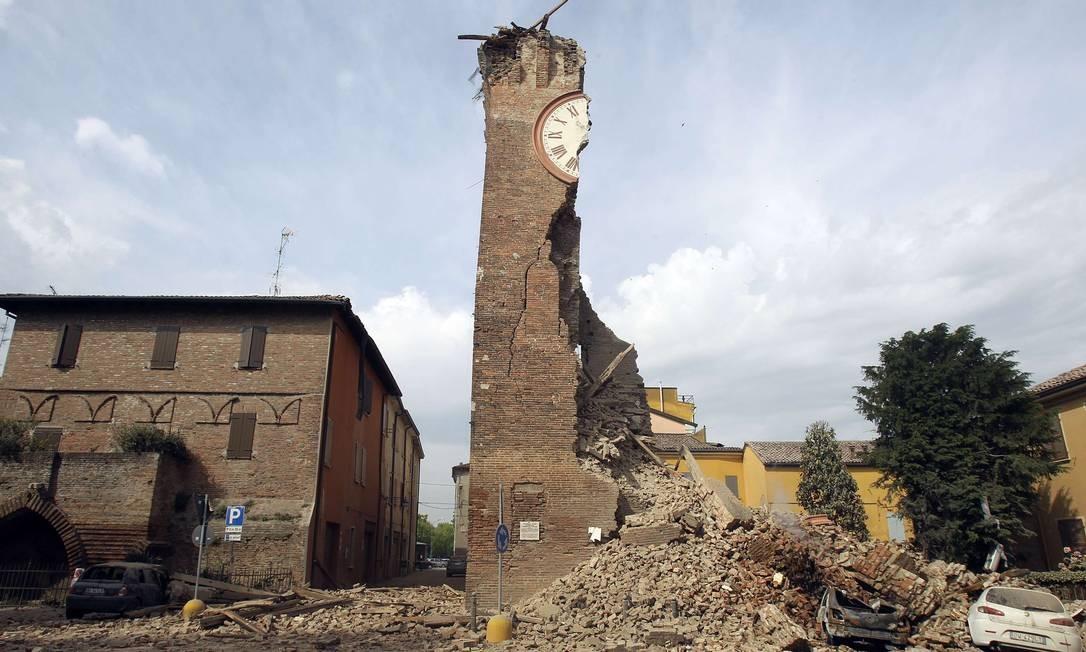 O terremoto que atingiu o norte da Itália destruiu prédios históricos Foto: Giorgio Benvenuti / REUTERS