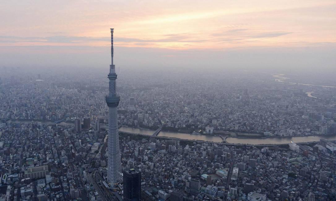 A Tokyo Skytree tem 634 metros de altura e foi aberta ao público nesta terça-feira, 22 de maio Foto: KYODO / REUTERS