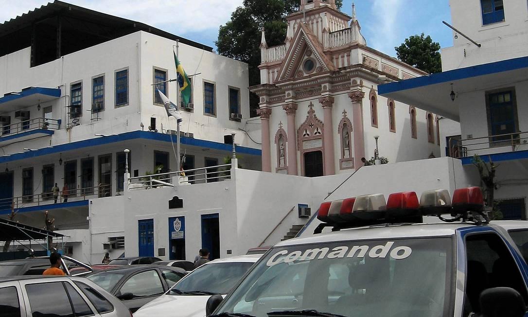 A capela de Nossa Senhora das Dores, que fica dentro do QG da PM Foto: Camilo Coelho/22-6-2007