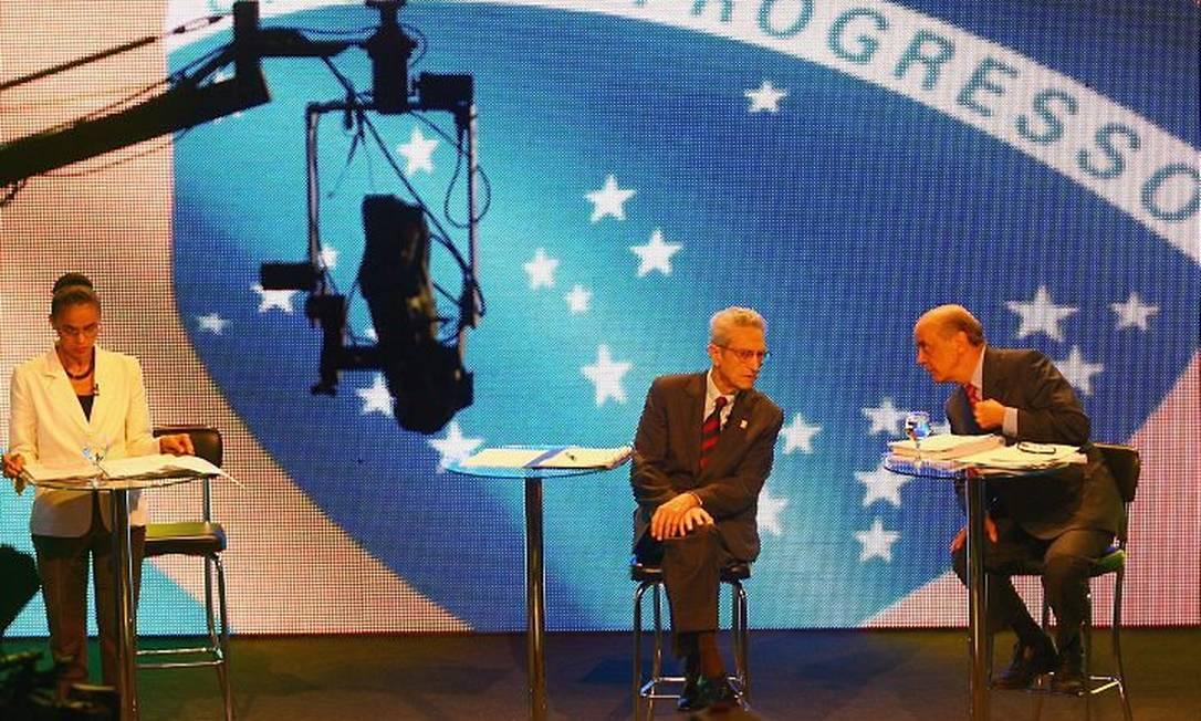Marina, Serra e Plínico participam de debate na TV Jornal Commercio. Foto: Han von Manteuffel