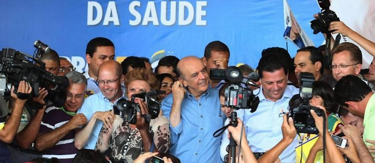 Serra participa de comício em Goiânia. Foto: Givaldo Barbosa