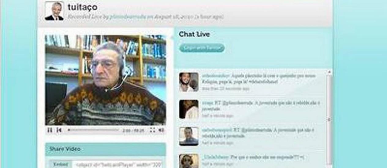 O candidato Plínio de Arruda durante transmissão ao vivo no site Twitcam - Reprodução Internet