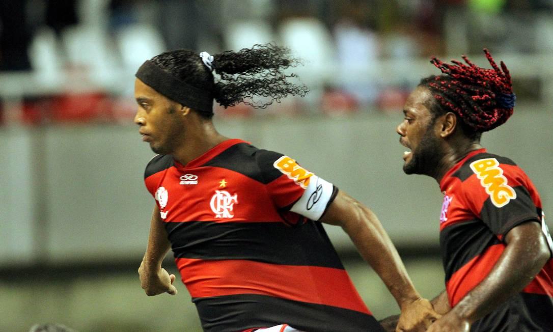 Após o pênalti bem batido pelo camisa 10, o Flamengo abria 2 a 0 em cima do Inter no primeiro tempo