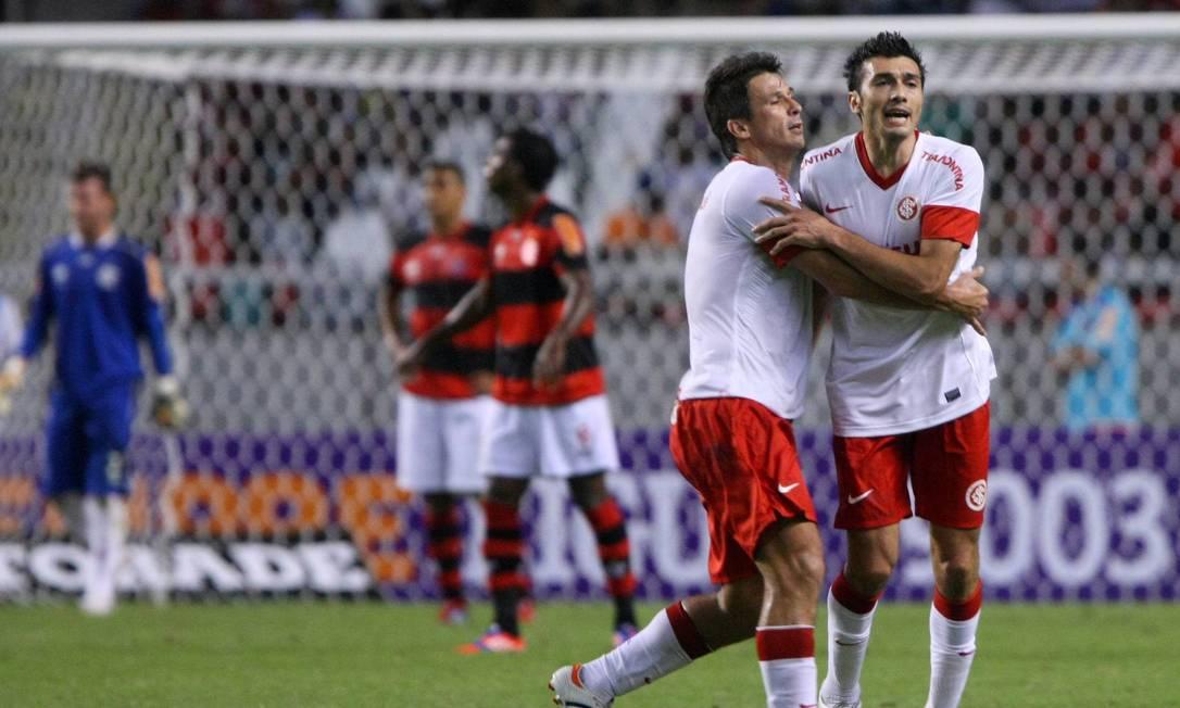 Dátolo comemora o terceiro gol do Inter, o do empate no Engenhão Foto: Guilherme Pinto / Agência O Globo