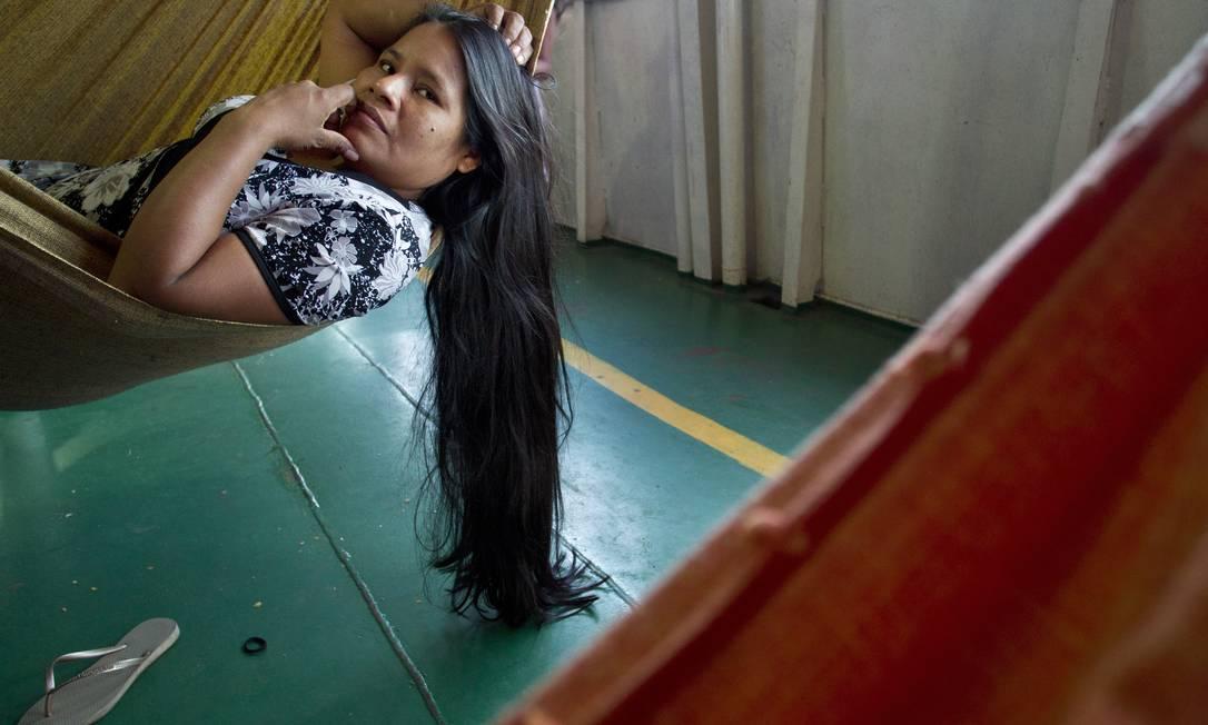 Alzamira Silva viajava com o marido e os dois filho para Belém: na bagagem, além das malas, o carro da família Márcia Foletto / O Globo
