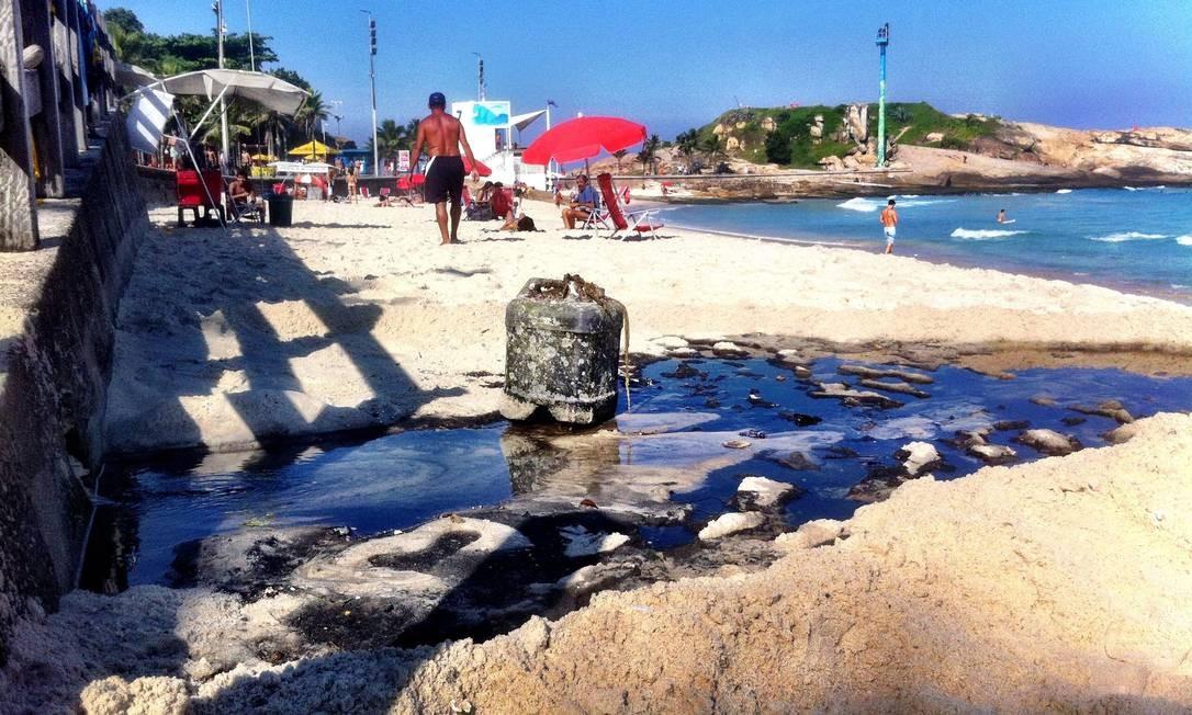 Língua negra na Praia do Arpoador, Zona Sul do Rio Foto: Foto do leitor Raul Aragão / Eu-Repórter