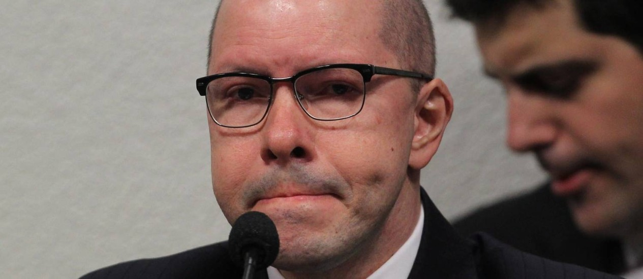 Senador responde a questionamentos no Conselho de Ética do Senado Foto: Givaldo Barbosa / Agência O Globo