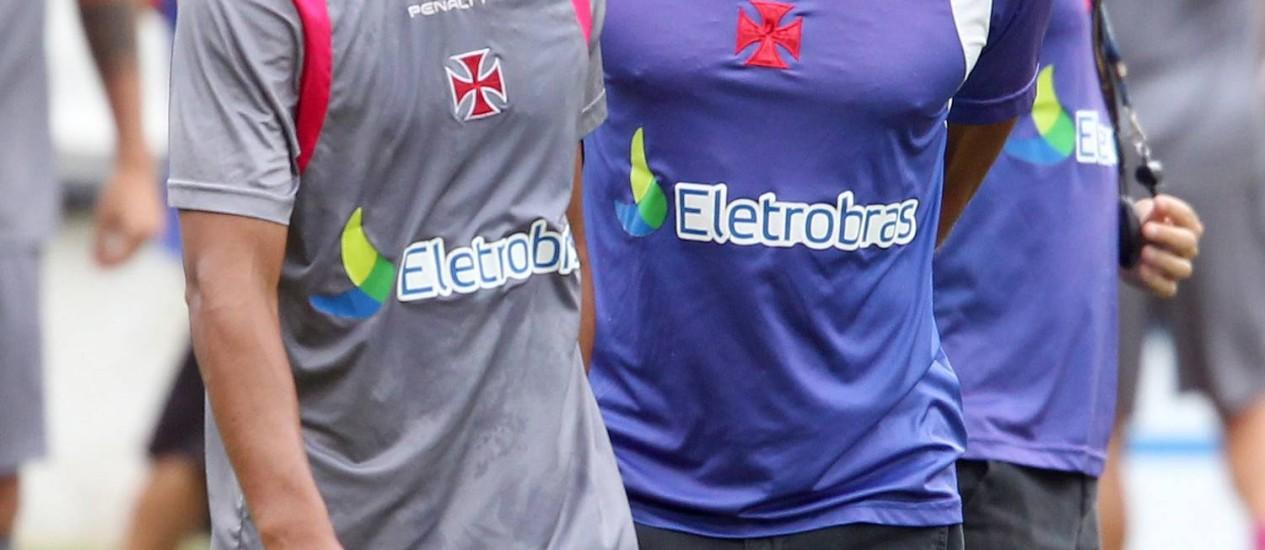 Cristóvão pode voltar a utilizar Felipe na lateral-esquerda do Vasco Foto: Ivo Gonzalez