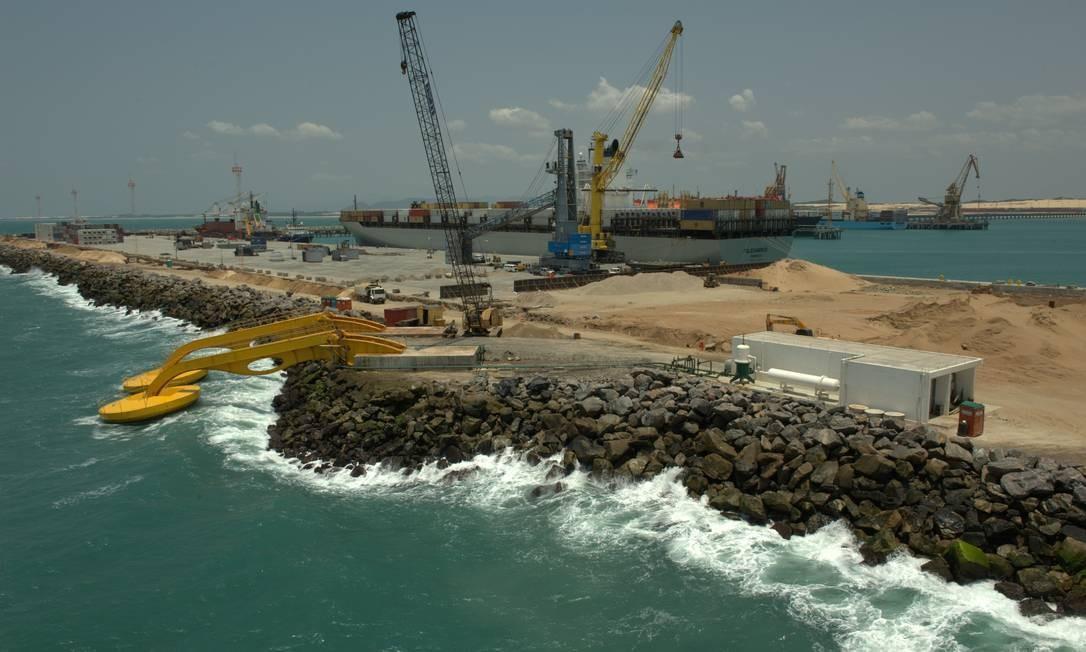 A constância das ondas que movem os braços mecânicos é um ponto forte do Ceará Foto: Divulgação