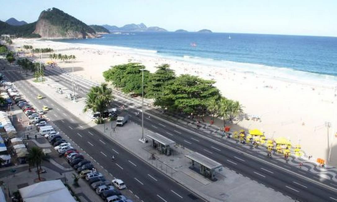 Posto entre as ruas Ronald de Carvalho e Duvivier, que deve ser removido Foto: Paulo Nicolella / O Globo