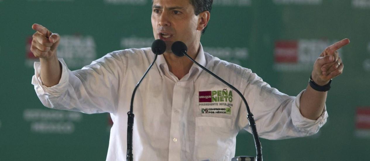Enrique Peña Nieto, candidato do PRI, teria sido objeto de um plano de ação midiática da Televisa Foto: Eduardo Verdugo / AP