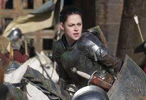 """Kristen Stewart em cena de """"Branca de Neve e o Caçador"""" Foto: Divulgação"""