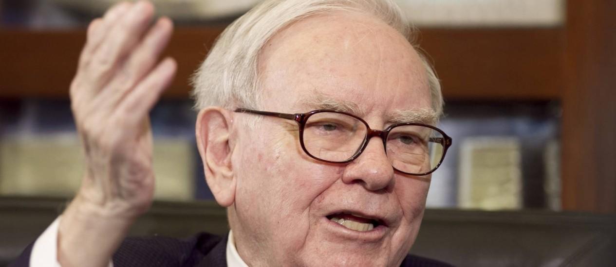 Bilionário Buffett é conhecido por ser avesso a tecnologia Foto: Nati Harnik / AP