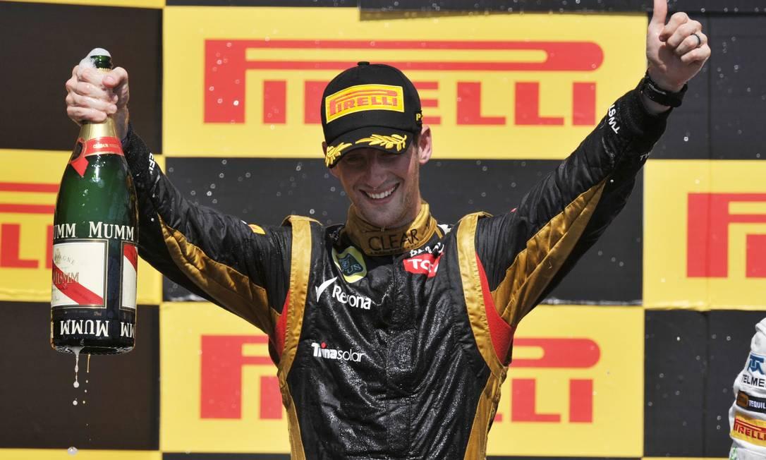 Romain Grosjean comemora o segundo lugar AFP