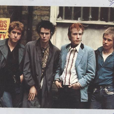 Os Sex Pistols Paul Cook, Sid Vicious, Johnny Rotten e Steve Jones em 1976 Foto: Divulgação