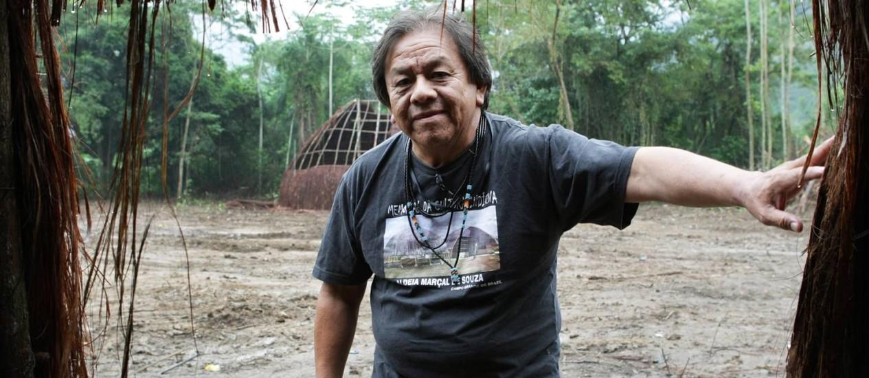 MARCOS TERENA, articulador indígena, na Kari-Oca, aldeia montada em Jacarepaguá Foto: Laura Marques