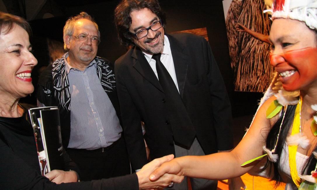 Ana de Hollanda com a pajé Putany: para a ministra, diversidade cultural brasileira é essencial para o desenvolvimento sustentável Foto: Divulgação