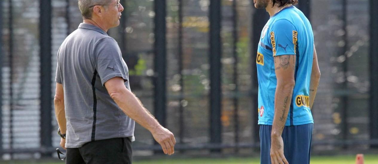 Loco Abreu pediu para não enfrentar o Inter no sábado Foto: Ivo Gonzalez/Arquivo