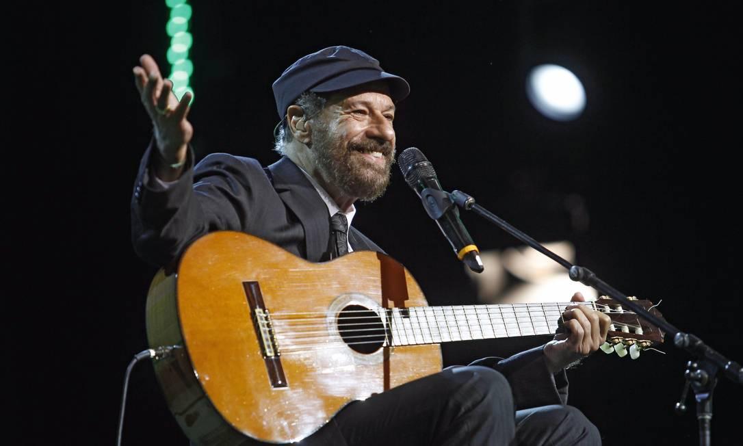 O cantor e compositor João Bosco, que completou 40 anos de carreira, foi o homenageado da 23° edição do Prêmio da Música Brasileira Leonardo Aversa / O Globo
