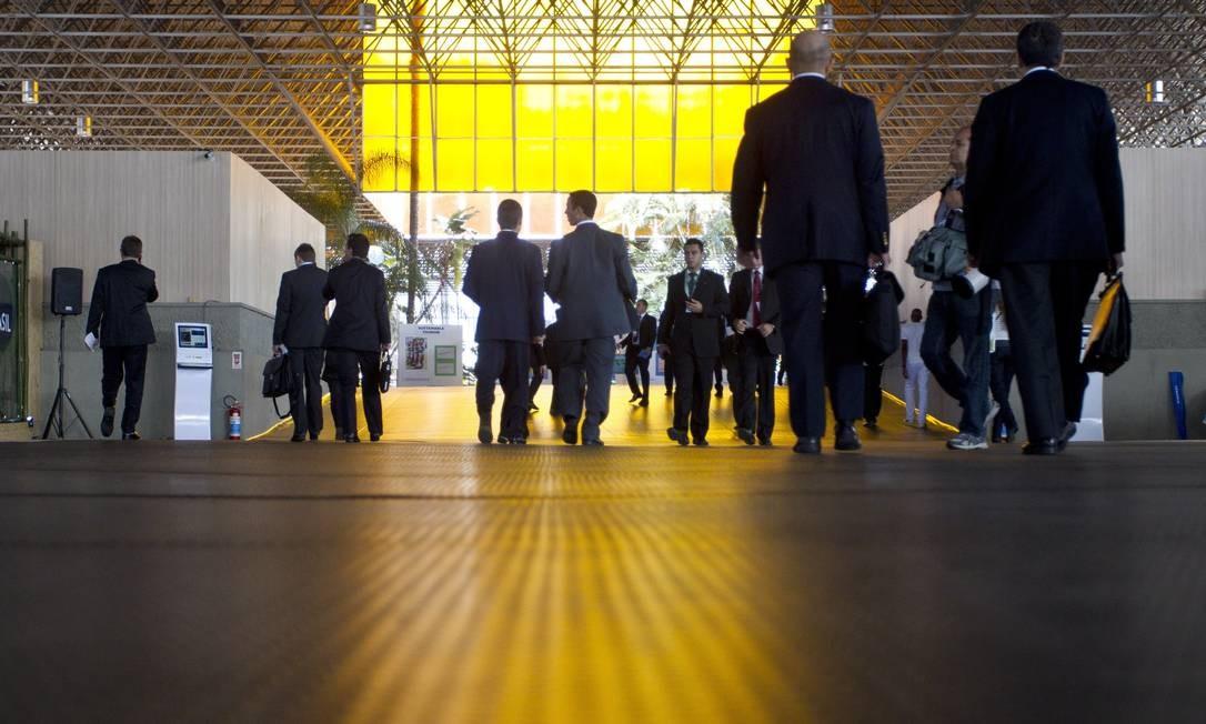 Participantes entram no pavilhão de acesso ao Riocentro Foto: Márcia Foletto / Agência O Globo