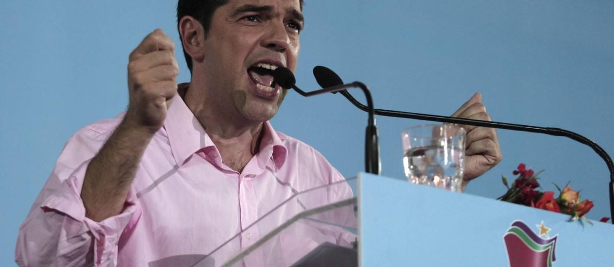 """Jovem Alexis Tsipras é conhecido como o """"Che Guevara grego"""" Foto: Dimitri Messinis / AP"""