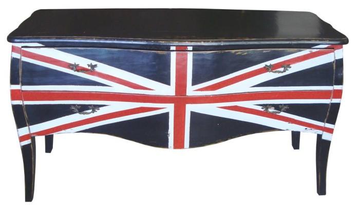Cômoda England (R$ 4.377), na Domme Divulgação