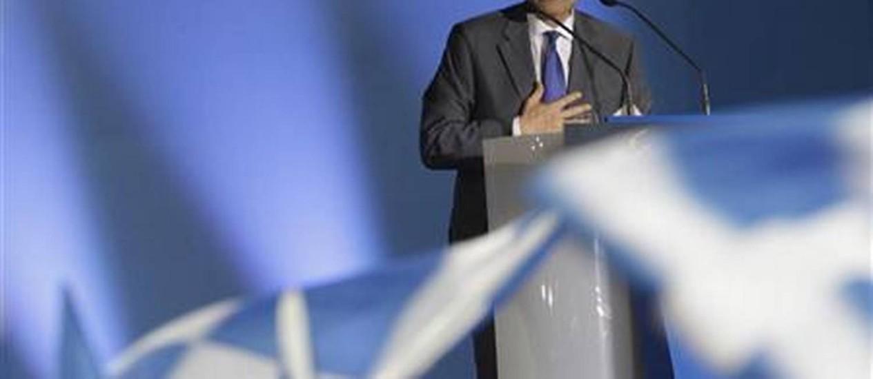 Antonis Samaras, do partido conservador Nova Democracia, participa de comício Foto: Reuters