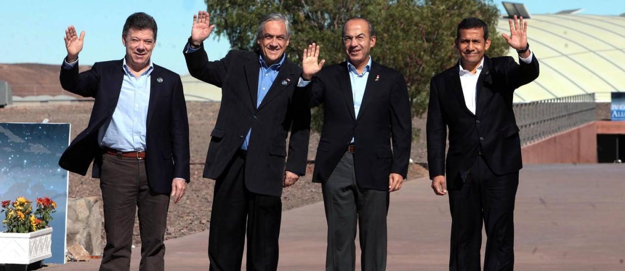 Presidentes do Perú, Ollanta Humala; do México, Felipe Calderón; do Chile, Sebastián Piñera e da Colômbia, Juan Manuel Santos Foto: DIVULGAÇÃO / Agência O Globo