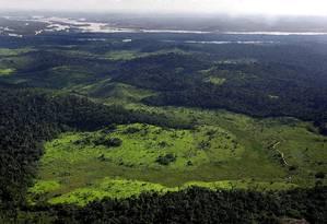 Desmatamento próximo a área do Xingu na Amazônia Foto: ANTONIO SCORZA/19-02-2005 / AFP PHOTO