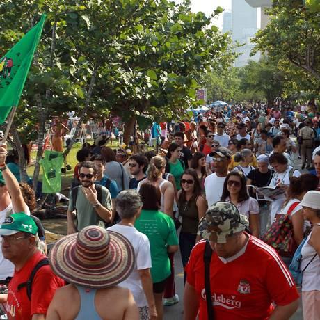 Cúpula dos Povos no Aterro do Flamengo: lotação máxima Foto: Gabriel de Paiva/ Agência O Globo