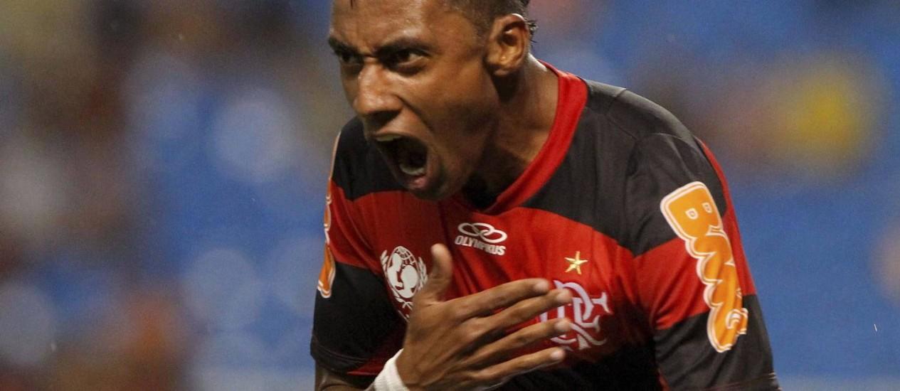Kléberson interessa ao Bahia e pode deixar o clube Foto: Bruno Gonzalez / Extra