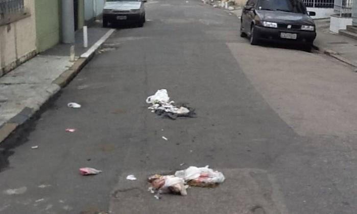 Moradores de Nova Iguaçu enfrentam problemas com a coleta seletiva de lixo Foto da leitora Roberta Bastos / Eu-repórter