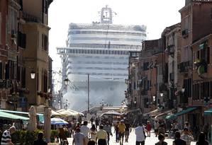 Em Veneza, a prefeitura está controlando a entrada de navios Foto: Stefano Rellandini / Reuters