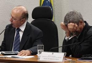 Senadores Humberto Costa e Antônio Carlos Valadares, durante a sessão do Conselho de Ética Foto: ANDRE COELHO/Agencia O Globo