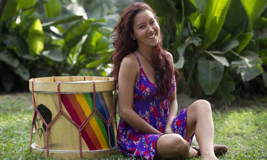 Brigida de Souza, que fez sucesso com seu topless na manifestação das mulheres nesta segunda-feira diz que achou positivo o resultado porque chamou atenção para a causa feminista Foto: Guito Moreto / O Globo