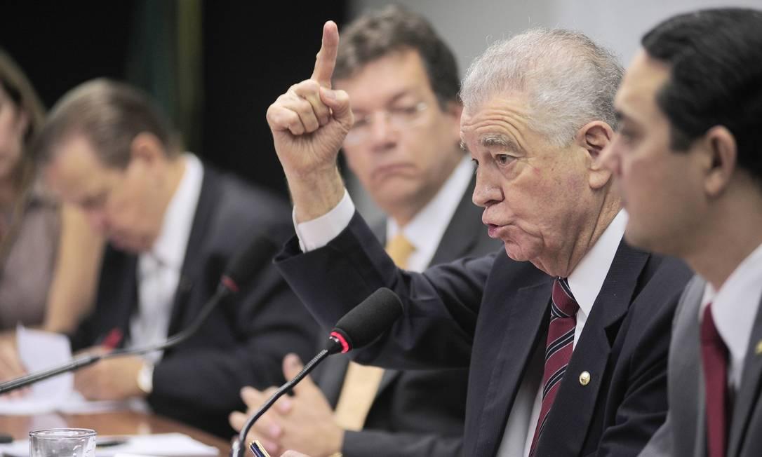 Deputado Nelson Marquezelli participa da votação da PEC de sua autoria que equipara salários dos três poderes Foto: Agência Câmara / Leonardo Prado