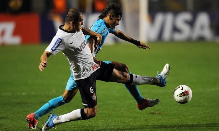 Corinthians e Santos se enfrentaram nesta quarta-feira no jogo de volta da semifinal da Libertadores AFP