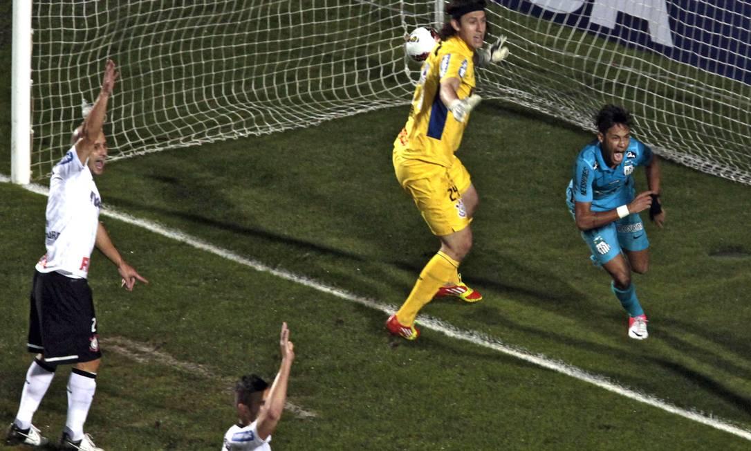 No segundo tempo, Neymar aproveitou bola que bateu na trave para marcar 1 a 0 AFP