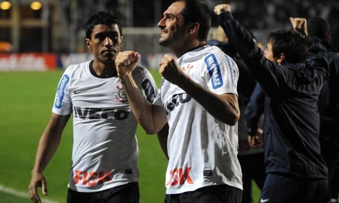 Com o 1 a 1, o Corinthians, que havia vencido por 1 a 0 na Vila Belmiro, garantiu a vaga na ginal AFP
