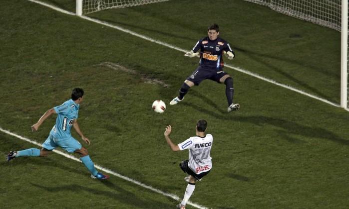 Mas Danilo marcou o gol de empate do Corinthians AFP