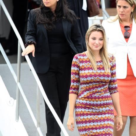 Marcela Temer, mulher do vice, Michel Temer, chega para almoço na Escola Naval Foto: Agência O Globo / Márcio Alves