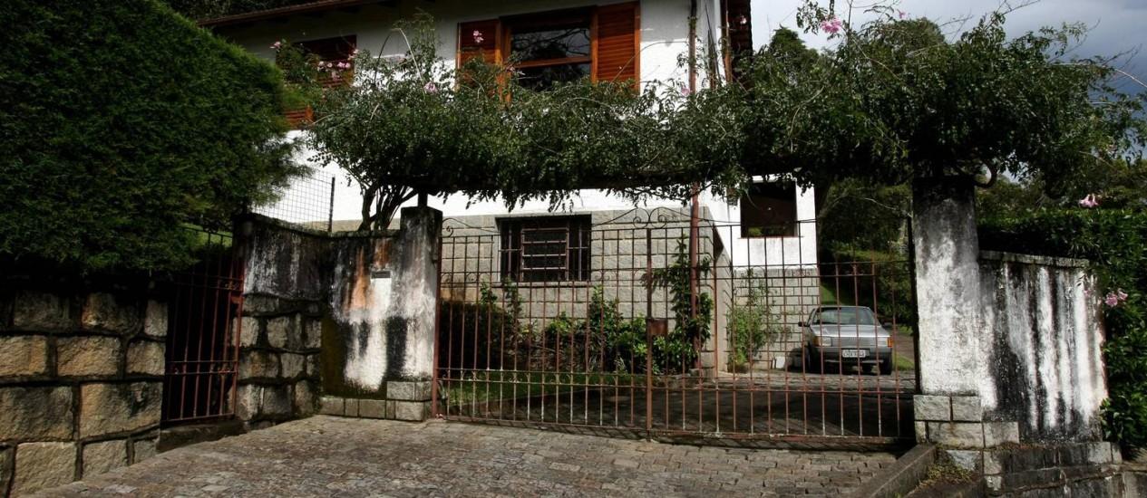 Na casa na Rua Arthur Barbosa, em Petrópolis, funcionava aparelho clandestino do Centro de Informações do Exército (CIE) Foto: O Globo / Custódio Coimbra