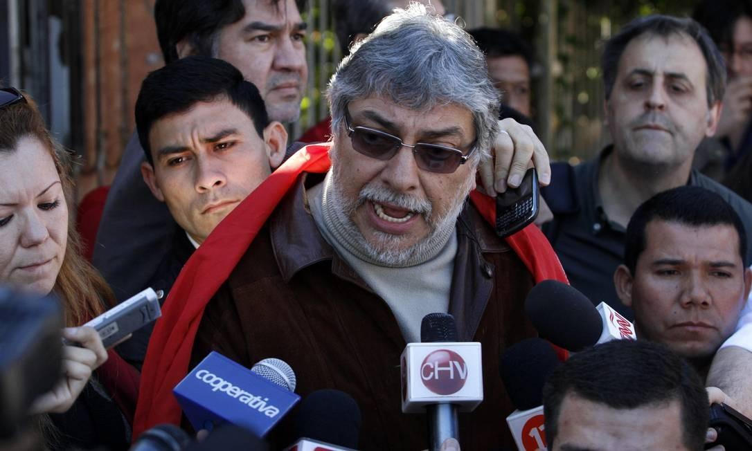 O presidente destituído do Paraguai, Fernando Lugo, é entrevistado em sua casa em Assunção Foto: Jorge Adorno / Reuters