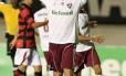 Deco comemora após marcar o quarto gol do Fluminense na goleada sobre o Atlético-GO