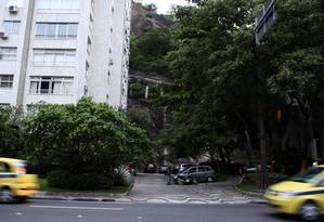 TRECHO DA AVENIDA Epitácio Pessoa, entre os prédios de número 2.014 e 1.976, onde deverá ser feita a ligação com a estação de Ipanema Foto: Angelo Antonio
