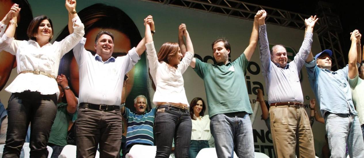 Convenção do DEM em Campo Grande confirma os candidatos à Prefeitura do Rio, Rodrigo Maia e Clarissa Grarotinho Foto: O Globo / Marcos Tristão