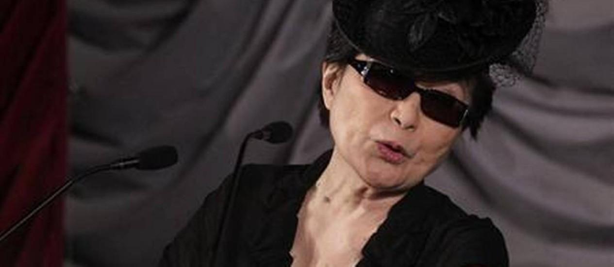 A artista, cantora e escritora Yoko Ono Foto: Reuters