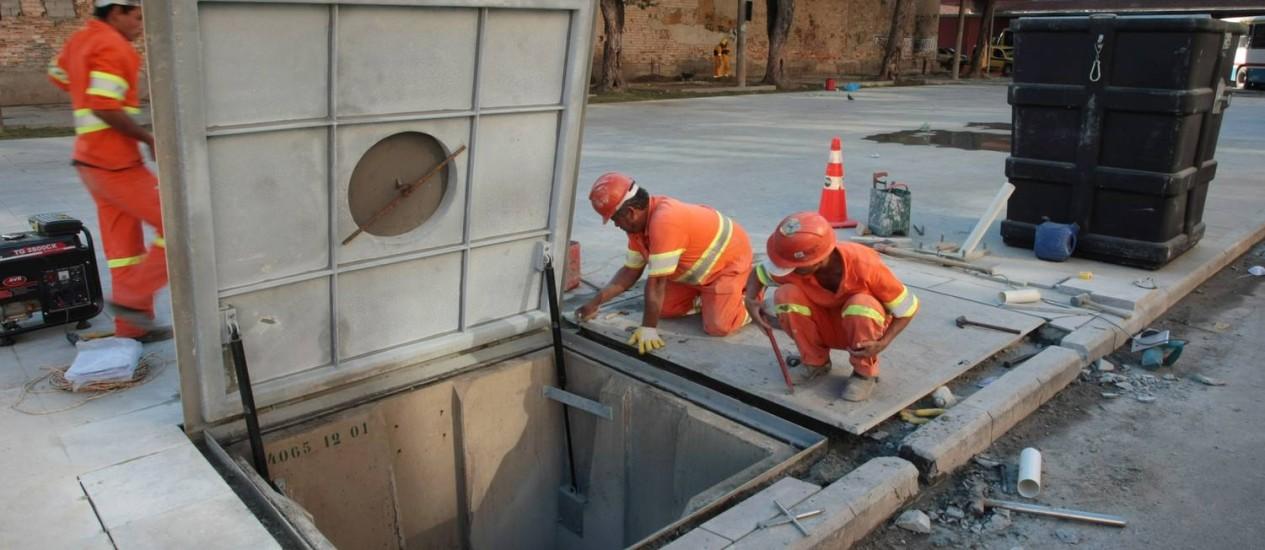 Um depósito subterrâneo instalado na Zona Portuária: até 2015, serão 21 pontos de armazenamento Foto: Hudson Pontes / O Globo