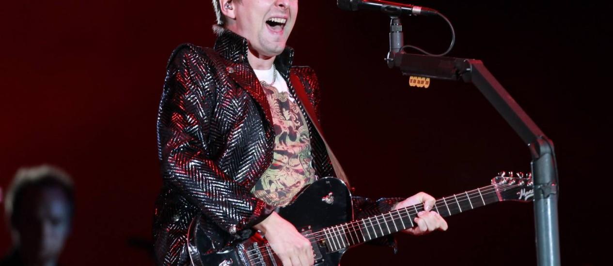 O vocalista do Muse, Matt Bellamy, disse que compôs a música com as Olimpíadas em mente Foto: Marcos Alves / O Globo