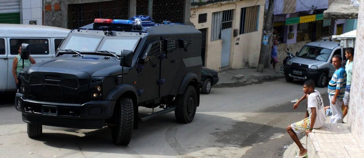 Bope utiliza novos blindados na ocupação da Vila Cruzeiro Foto: Rafael Moraes / O Globo